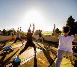 Yoga, Dachterrasse, Sonnenaufgang