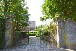 Gartentor, Einfahrt, Bäume