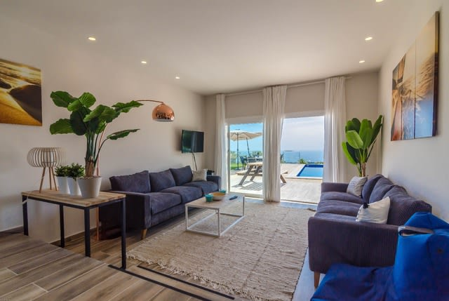 12-bedrooms-villa-sant-eloi-spain-travelopo-19-5ae7a5dd8e6815a36baf117415e29fe3