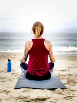 Yogastunde am Strand