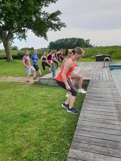 Gruppe beim CrossFit-Workout