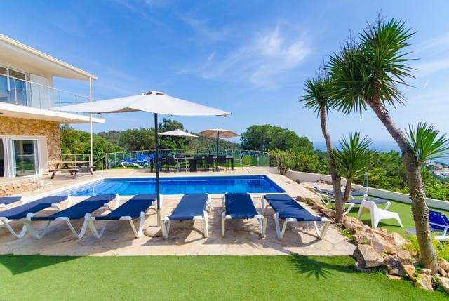 6-bedrooms-villa-sant-eloi-spain-travelopo-7-f4624ca235e442759ee003911c490be8