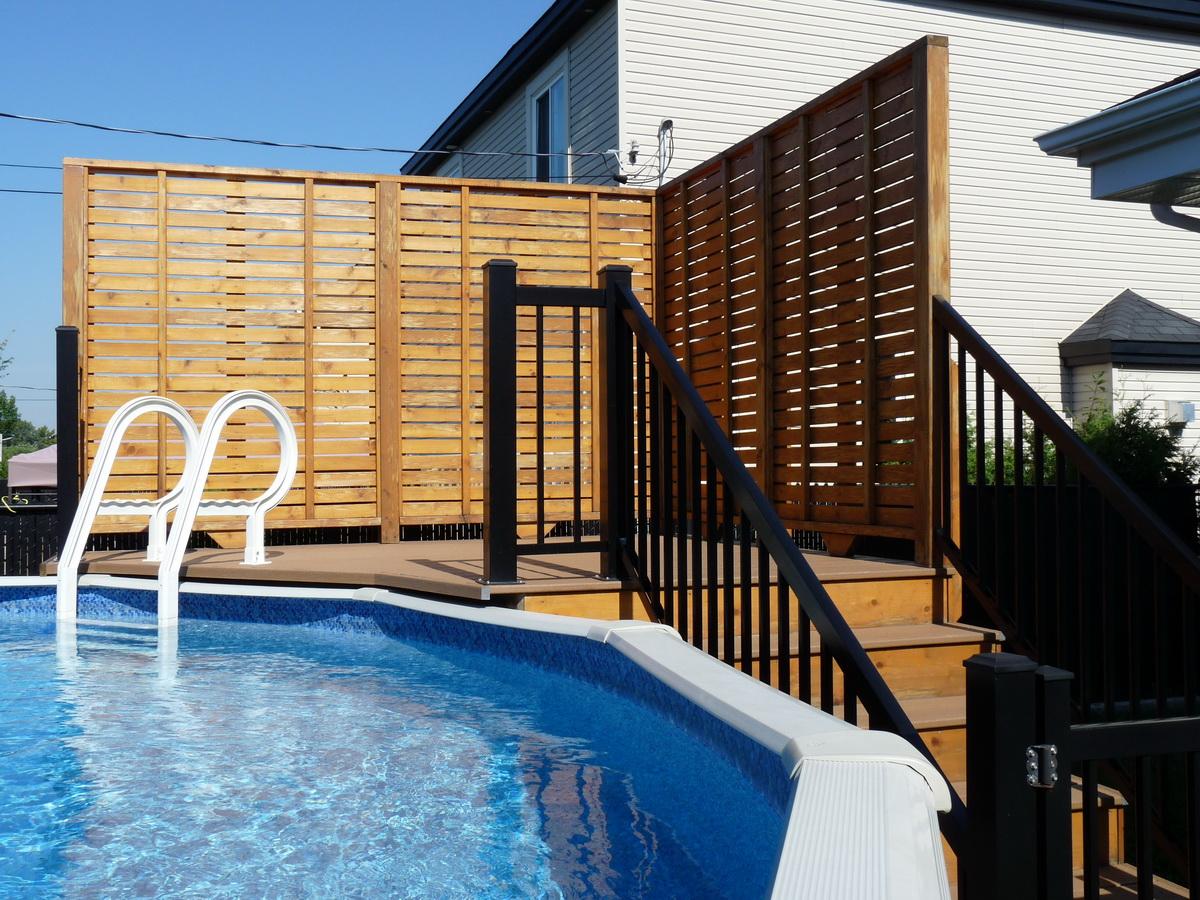 Deck piscine en cedre