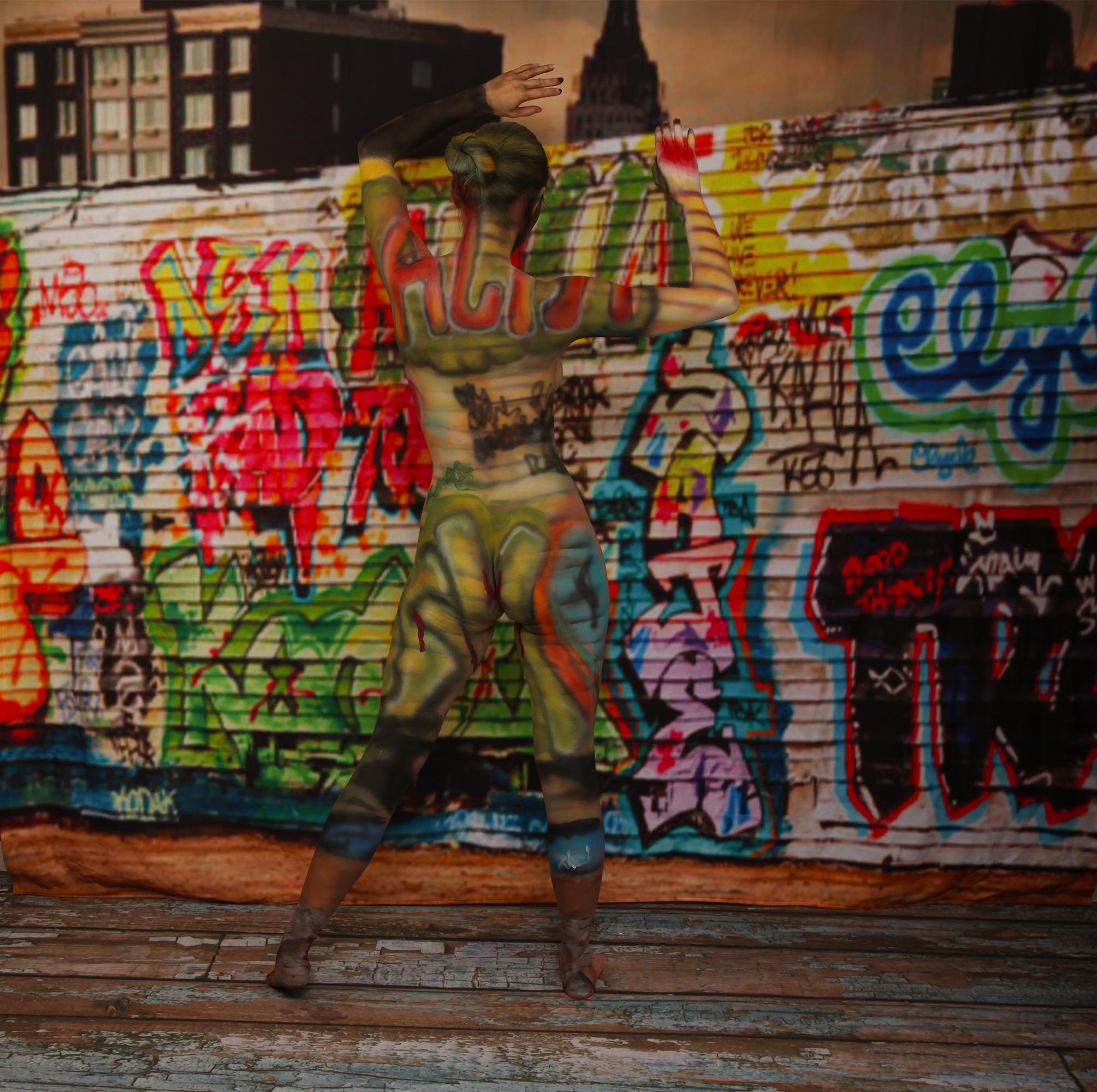 Graffiti Blend In Bodypaint
