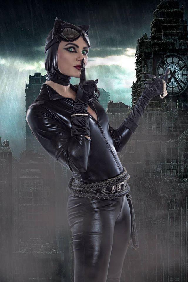 Laura Dark.jpg