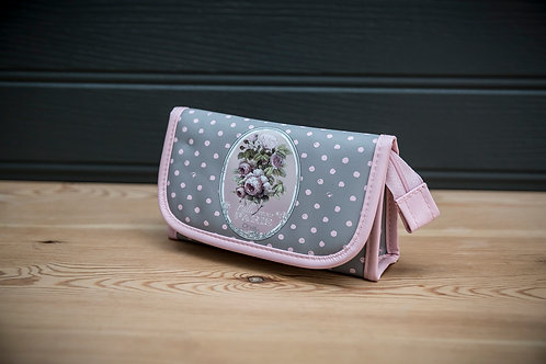 Thousand Roses Make Up Pouch