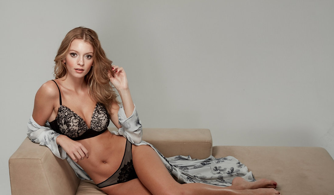 Model wearing Beautifit Wireless Bra