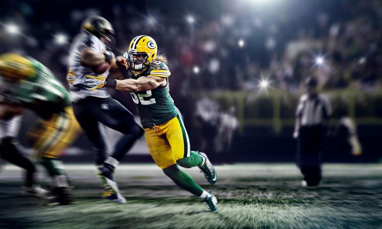SU13_AT_MATTHEWS_NFL_PACKERS_INGAME_f1_r