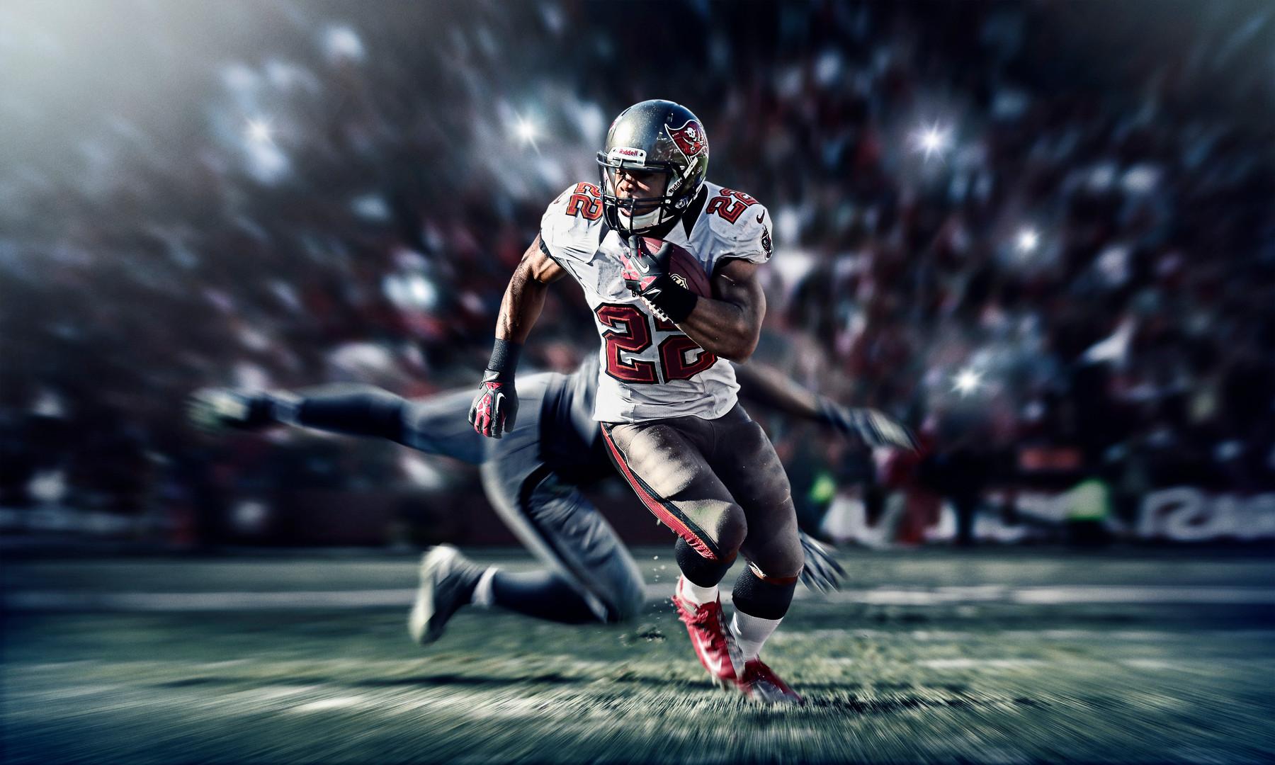 SU13_AT_MARTIN_NFL_BUCANEERS_INGAME_f2_r