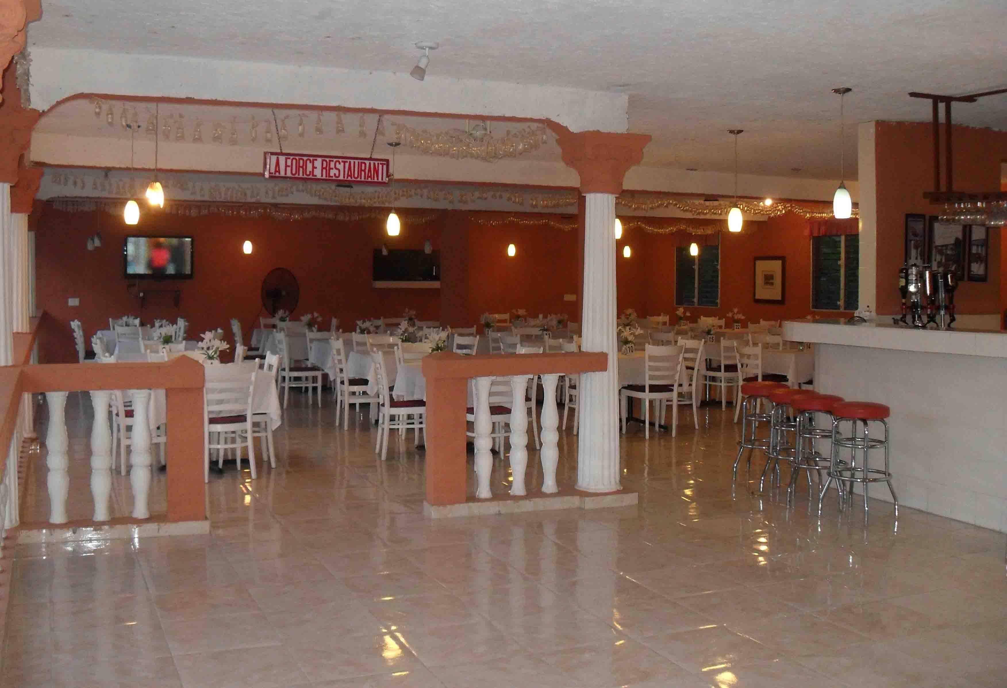 Restaurant2Web.jpg