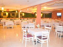 Restaurant1Web.jpg