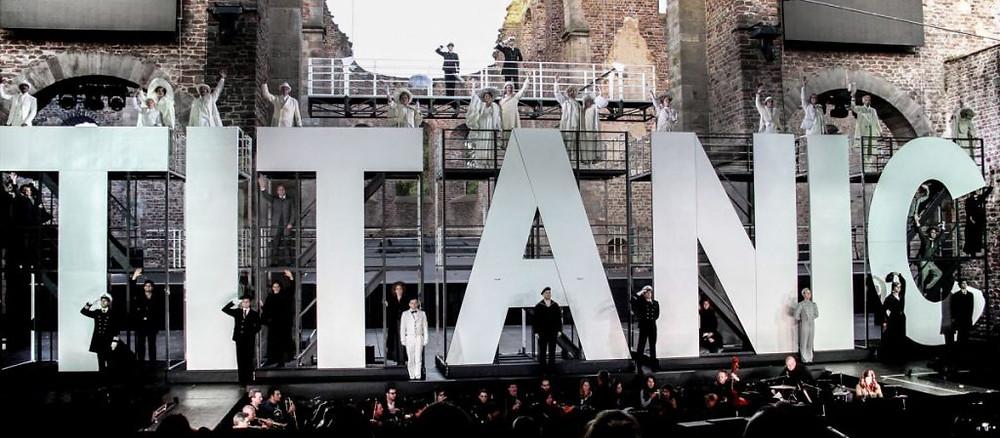 Annette Lubosch als Marion Thayer in Titanic bei den Bad Hersfelder Festspielen