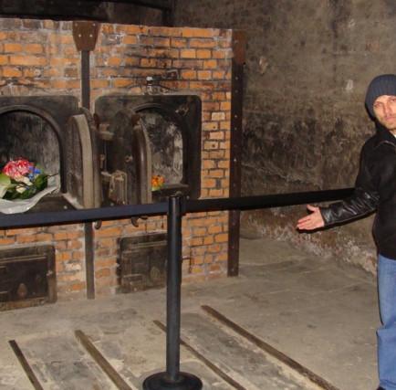 Crematório no campo de concentração.JPG