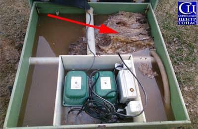 Игнорирование на предмет сброса средств личной гигиены в канализационную станцию. Засор септика ТОПАС.jpg
