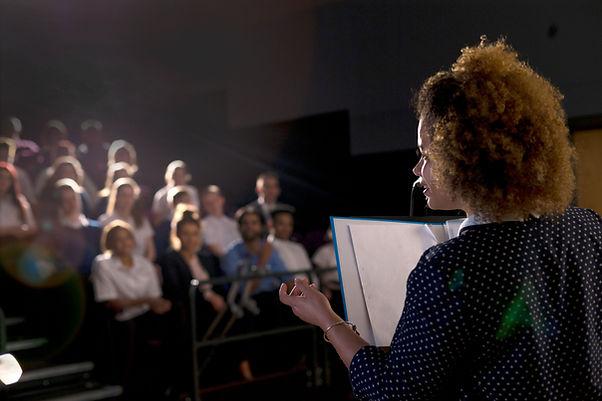 Vrouw Speaker