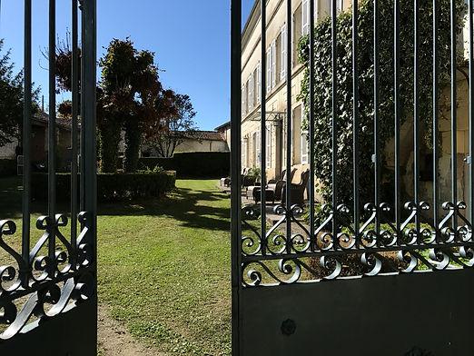 Maison La part des Anges - portail d'entrée