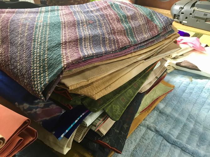 千葉市のお客様から、箪笥二竿分のお着物・帯等をお買取させていただきました。