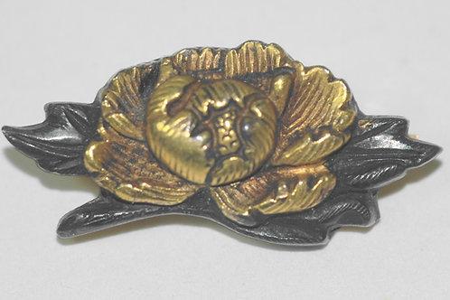 牡丹目貫彫金K18アンティークブローチ