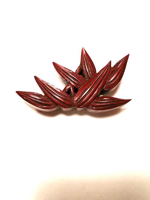 鎌倉彫笹彫刻アンティーク帯留
