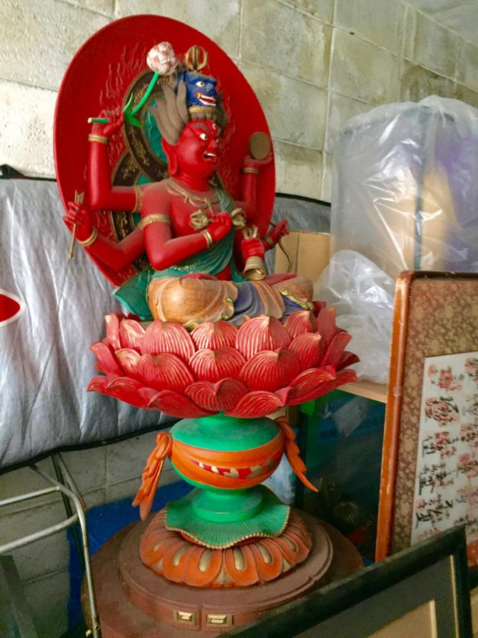 荒川区にて倉庫に眠っていた、お父様のコレクションの仏像の数々をお買取‼️