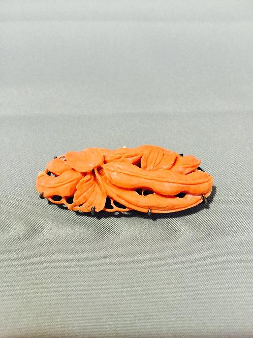 桃珊瑚えんどう豆彫刻アンティーク帯留