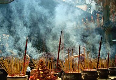 Episode 3-3_Samantha Coomber - Thien Hau  Pagoda Tet - What About Vietnam Podcast