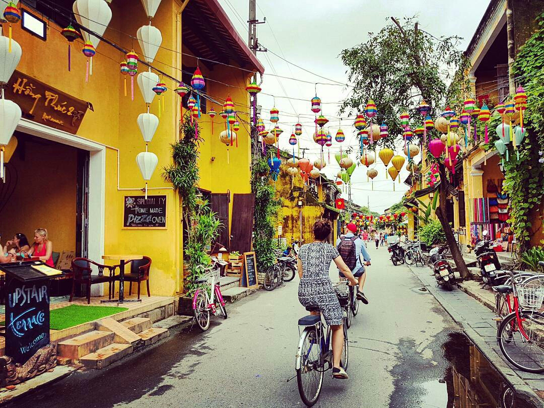 hoi-an-bike-tour-riding