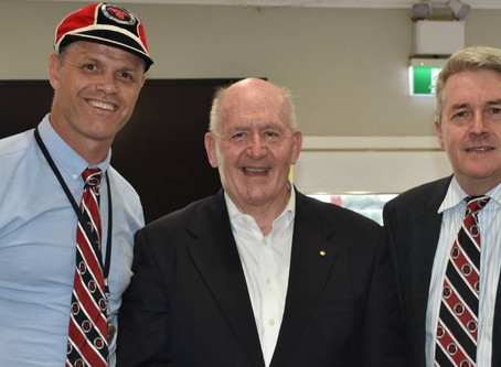SIR PETER COSGROVE TOASTS WITH HOPE BREWERY MADE 'SINGLETON BULLS BREW' AT RECENT FUNDRAISER