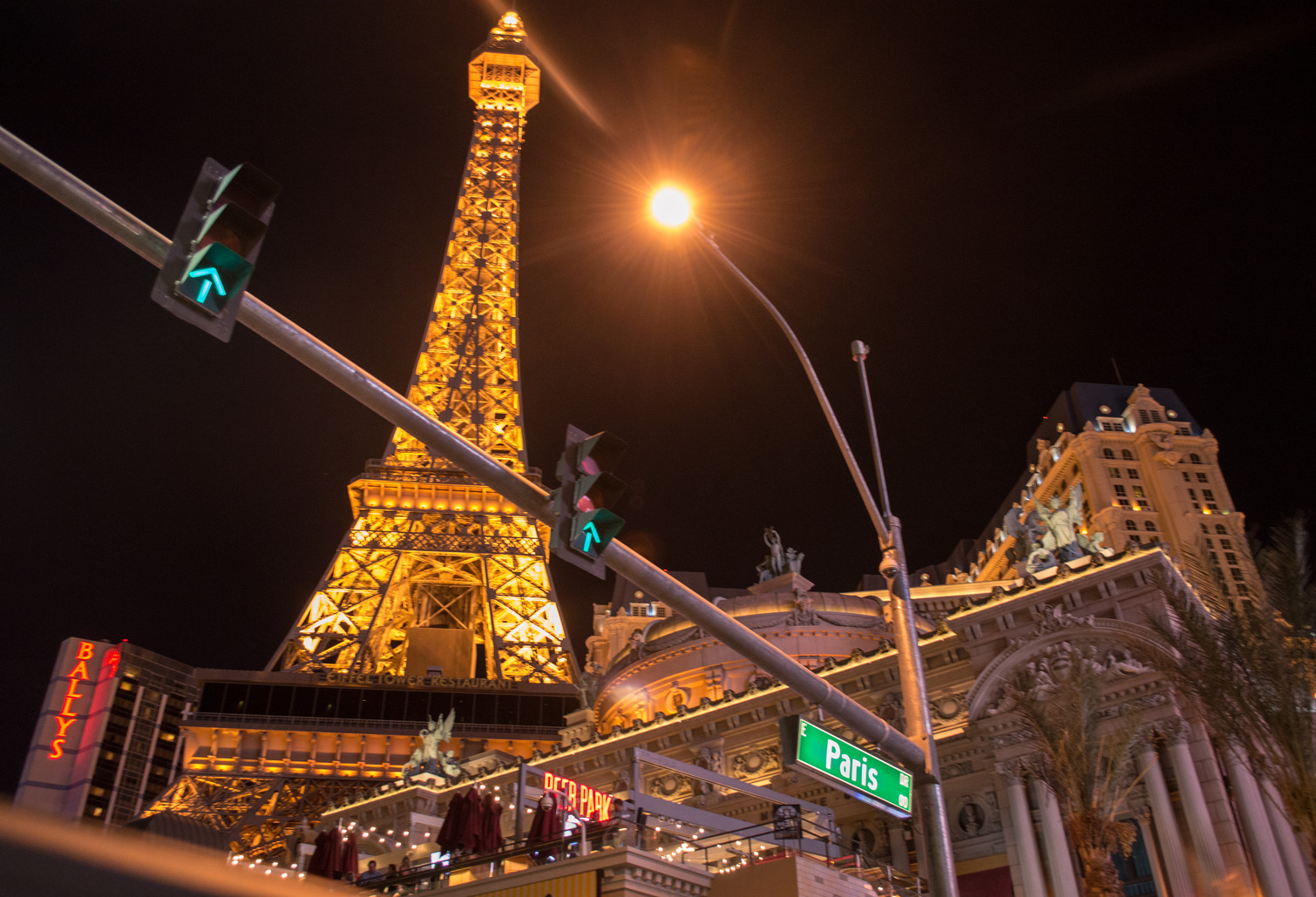 Paris, Las Vegas.