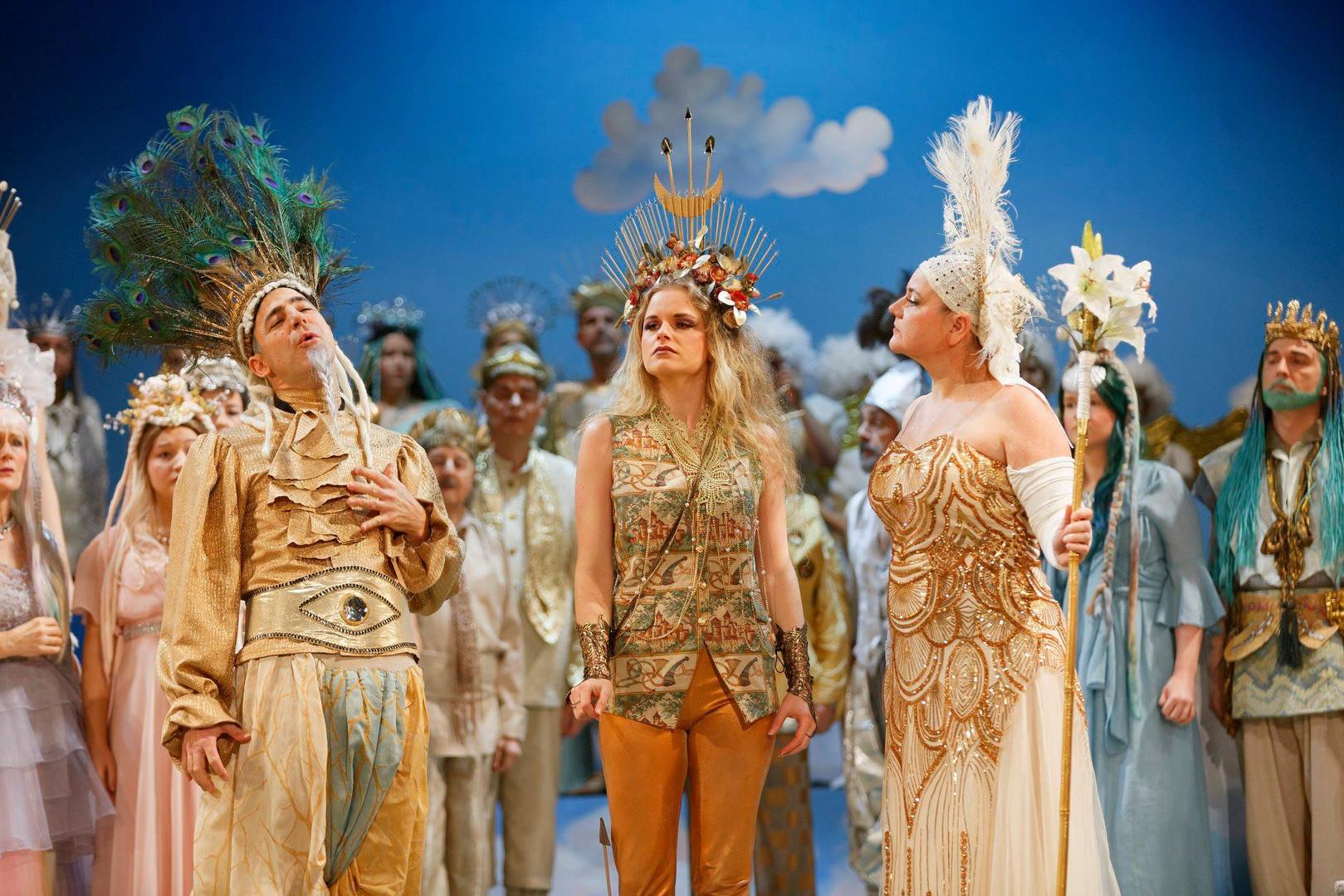 """Rahel Bünter als Diana in """"Orpheus in de"""
