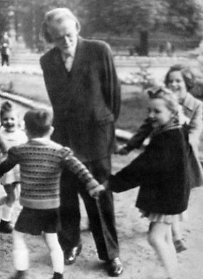 Zoltán Kodály with children