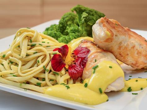 Macarrao com frango e brocolis