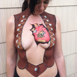#steampunk #bodypainting #bodypaintings #facepaint #facepainting #heart #vest #sexy #girl #gears #co