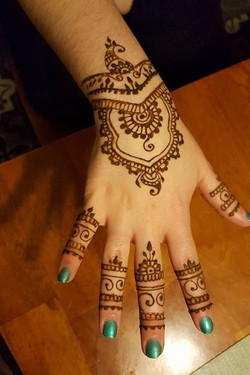 Henna fun! Thankfully Jamie Kathleen loves this stuff! My own person barbie 😍