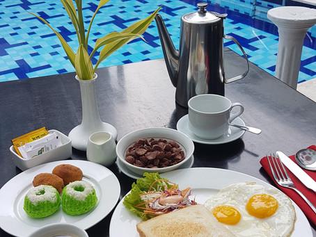 Horison Breakfast by the Pool