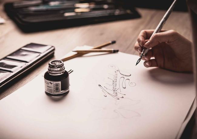 Hochzeitspapeterie und Kalligraphie