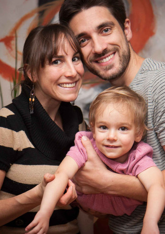 Familienfoto mit Mama, Papa und Tochter