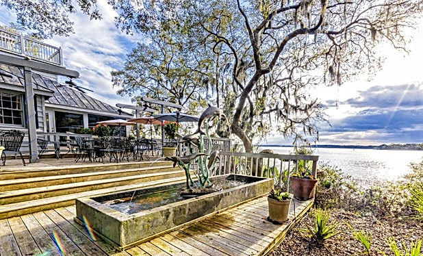 Old Fort Pub - Hilton Head Waterfront Dining Restaurants