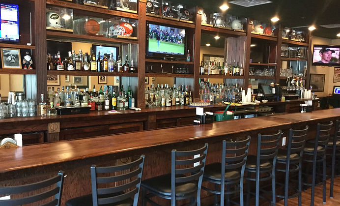 hinchey's - hilton head happy hours