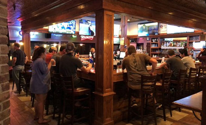 wild wing cafe - hilton head happy hours