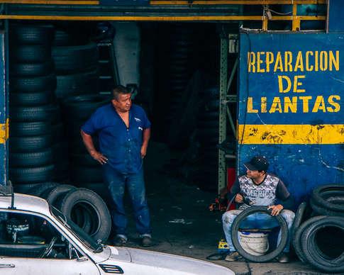 Vendeur de pneus