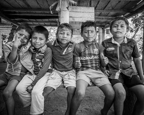 Les jeunes de la tribu