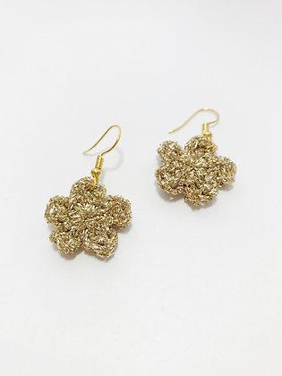 Sparkly gold flower earrings