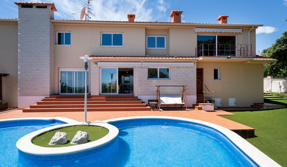0Fabulosa Villa unifamiliar / Santa Barbara / Sitges