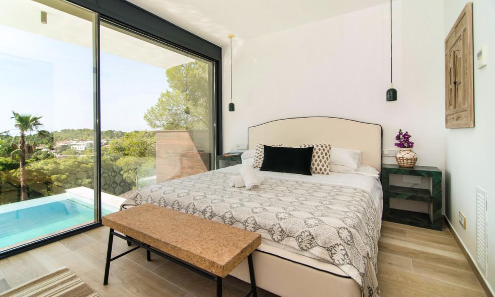 Villa Golf Can Girona / Sitges