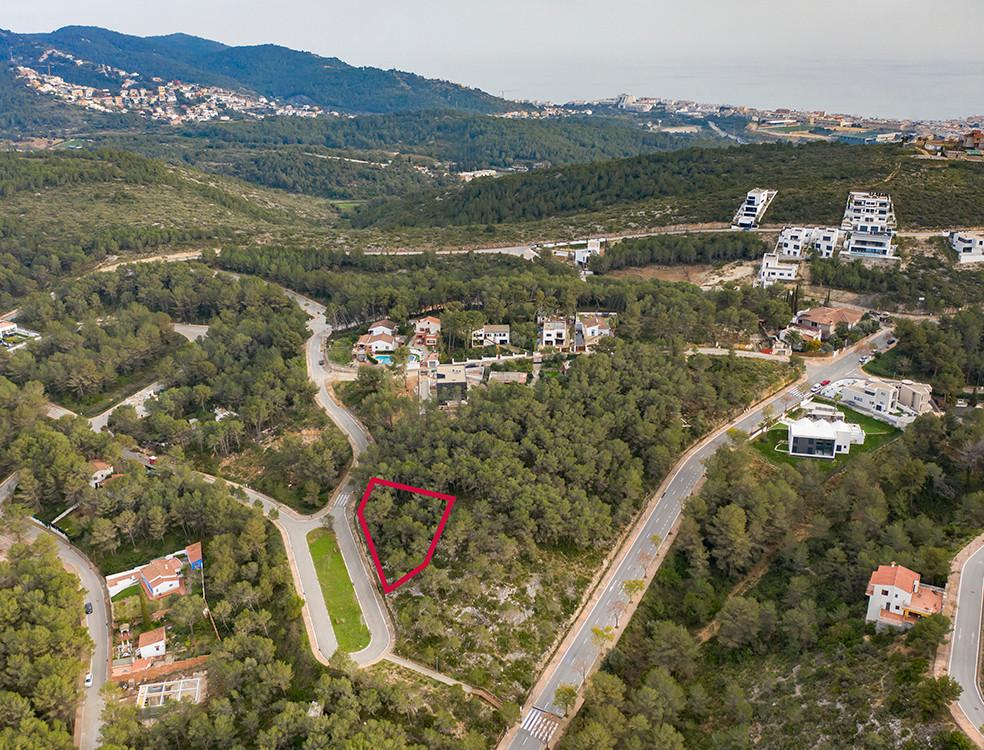 Terreno urbano a 10 minutos de Sitges / 170.000 €
