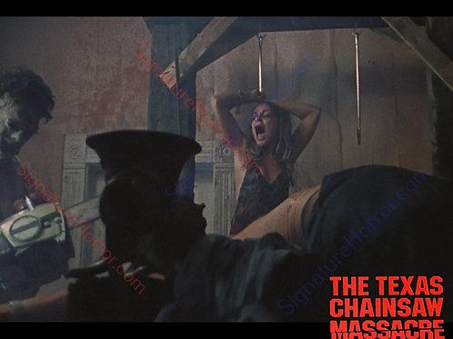 Teri McMinn Texas Chainsaw Massacre - Hook 5 - 8X10