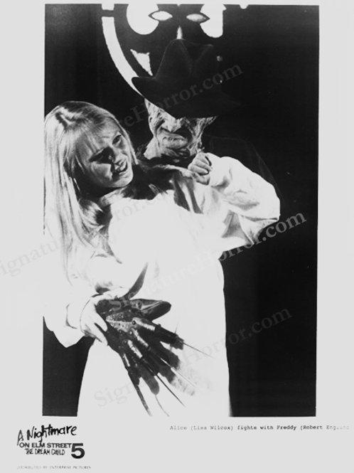 Lisa Wilcox - NOES 5: The Dream Child - Lobby Card 4 Freddy Creeping - 8X10