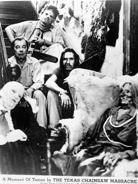 Ed Neal and John Dugan The Texas Chainsaw Massacre - Family on Stairs - 8