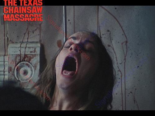 Teri McMinn Texas Chainsaw Massacre - Hook 1 - 8X10